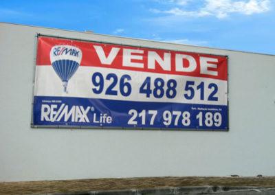 Remax Life lona publicitária